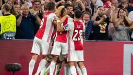 Suerte para el 'Machín': anota en su debut como titular en el Ajax