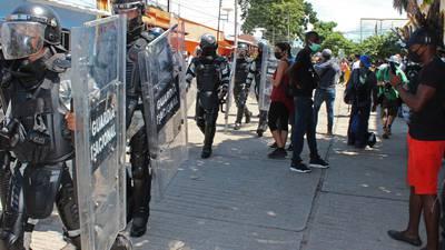 """Migrantes viven situación """"insostenible"""" en México, alerta Médicos Sin Fronteras"""