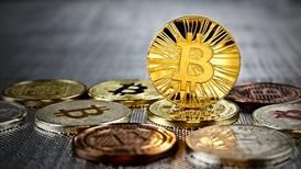 El bitcoin quiere 'reinar' en las criptomonedas pero, ¿sabes por qué hoy alcanzó el récord?