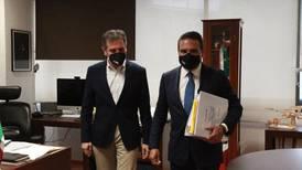 La odisea de Aureoles: ahora acude al INE a denunciar apoyo del narco a Morena