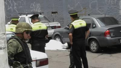 Ciudadanos queman camioneta de presunto violador en Tabasco