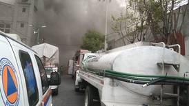 Incendio en bodega de Benito Juárez obliga la evacuación de 500 personas