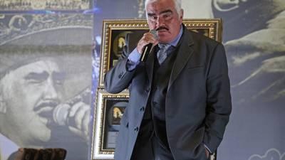Vicente Fernández Jr. aclara rumores sobre la salud de su padre