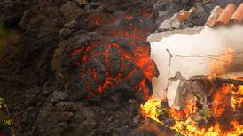 Sismos, ríos de lava y nueva boca del volcán ponen en vilo a isla española La Palma