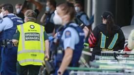 Atentado terrorista en Nueva Zelanda: Hombre entra a supermercado y apuñala a 6 personas
