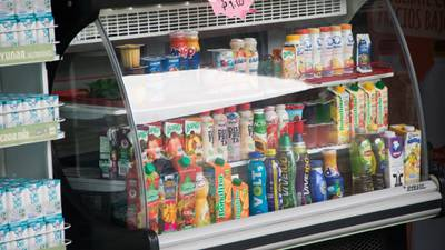Prohibición de alimentos y bebidas a menores inhibe la confianza para invertir en México: Cámaras de EU