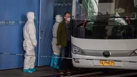 China niega entrada a dos expertos de misión de la OMS que investiga origen del COVID-19