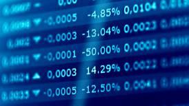 Wall Street cierra mixto preocupado por bajo crecimiento económico de China