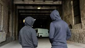 Jóvenes delinquen más, pese a programas para alejarlos del crimen