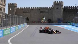 'Checo' Pérez luce 'intratable' y domina prácticas de Gran Premio de Azerbaiyán