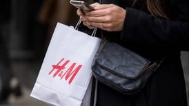 H&M contrata a experto relacionado con escándalo de filtración de datos de Facebook