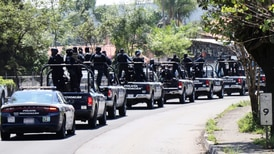 Policías blindan Uruapan tras ejecución de seis hombres