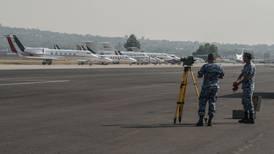 ¿Por qué el plan aeroportuario de AMLO no convence a aerolíneas?