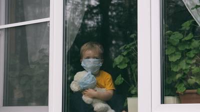 ¿El COVID está empeorando entre los niños? EU estudia aumento de casos de extraña enfermedad