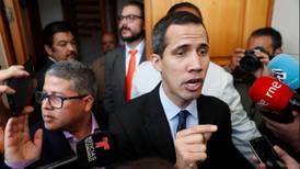 Fiscal general de Venezuela pide prohibir la salida del país al opositor Juan Guaidó y bloquear sus cuentas