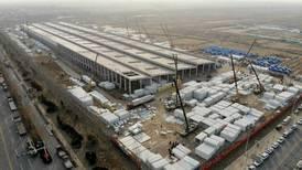 China lo hace de nuevo: construye campo masivo de cuarentena para más de 4 mil pacientes COVID