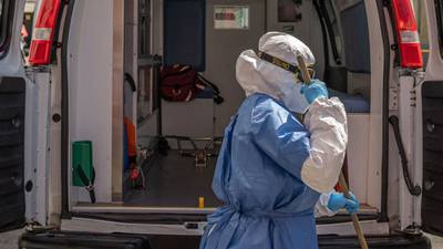 Más de 100 pacientes COVID mueren ante falta de camas para cuidado intensivo en hospital de CDMX