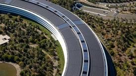 Apple quiere su auto eléctrico: primero contrata a expertos de Tesla, ahora a un exejecutivo de BMW