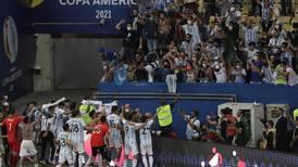 Variante colombiana de COVID, la 'ganadora' de la Copa América en Brasil