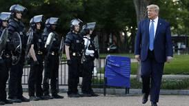 Trump presionó al Departamento de Justicia para revocar elecciones de 2020, según emails