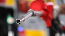 Regulador oficializa caducidad de 69 permisos de comercialización de hidrocarburos
