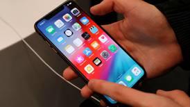Apple suspende 'exámenes' de respuestas de Siri por preocupaciones sobre privacidad