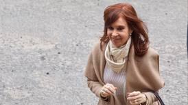 Enfrenta Cristina juicio por corrupción, en plena campaña por el poder