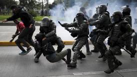 Declaran toque de queda en Bogotá tras protestas