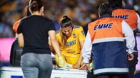 Jugadora de Tigres deja hospital tras golpe provocado en el clásico regio