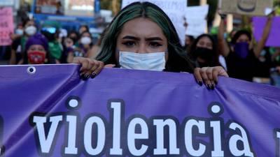 1 de cada 3 delitos son cometidos contra mujeres