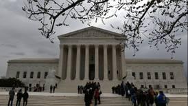 Corte Suprema de EU otorga a Trump una victoria sobre detención de inmigrantes