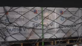 'Sputnik V': Llega cargamento de más de medio millón de dosis a México