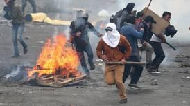 Presidente de Ecuador manda al Ejército a las calles tras decretar toque de queda