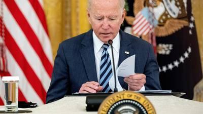 """""""Los perseguiremos y haremos que paguen"""": Biden tras atentado en aeropuerto de Kabul"""