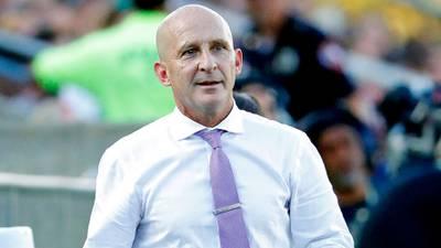 Despiden a Paul Riley, DT de futbol femenil, por acoso sexual; Liga Femenil de EU suspende partidos