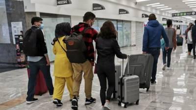 """El Gobierno recibe a familia afgana… que había deportado por """"inconsistencias"""""""