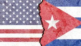 Biden camina en línea de Trump sobre embargo a Cuba: defiende política contra la isla