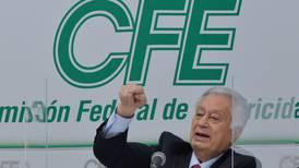 """Manuel Bartlett: """"No nos hagamos guajes, hay una campaña en mi contra"""""""