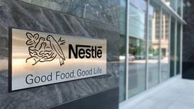 Nestlé admite que más del 60% de sus productos 'quedan a deber' lo saludable