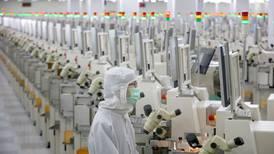 China elimina aranceles a equipos médicos y de fábricas por 'tregua comercial' con EU
