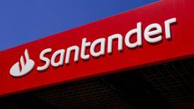 Santander registra pérdida neta de 11 mil 100 millones de euros en 2T; es su mayor caída histórica