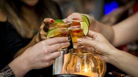 Tercera ola 'apaga' la fiesta en Jalisco: Antros y bares cerrarán en agosto