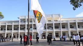 Por recortes, empleados de gobierno ponen hasta papel de baño en Quintana Roo