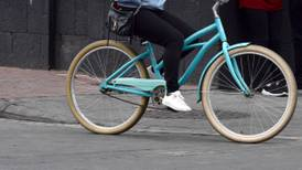 'Lleva, llévame en tu bicicleta': producción de 'bicis' alcanza récord debido al miedo al virus