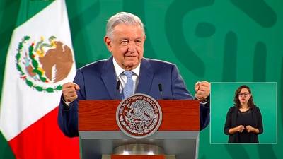 Revocación de mandato: AMLO sugiere que consejeros del INE 'paguen' para la consulta