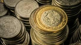 México mantiene postura fiscal firme pese a erosión en las reservas: Fitch
