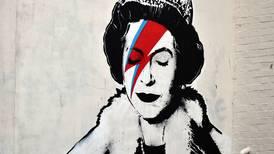 Banksy pierde contra el capitalismo: sus obras serán usadas en tarjetas de felicitación