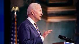 Biden realizará ceremonia para honrar a las víctimas del COVID-19 antes de su investidura