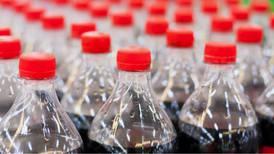 Coca-Cola le dice adiós al plástico en EU: apuesta por botellas recicladas