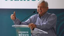 A México le hacen falta 123 mil médicos, asegura AMLO